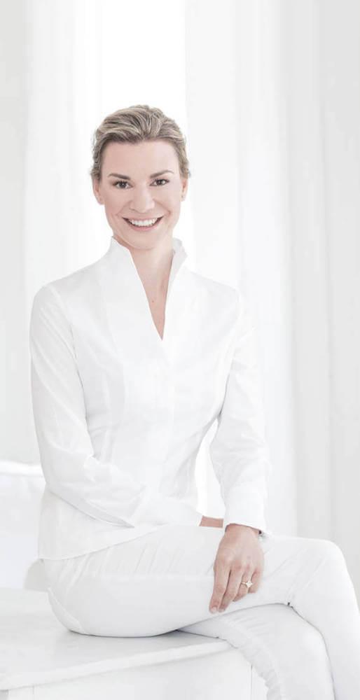 Dr Janna Harder